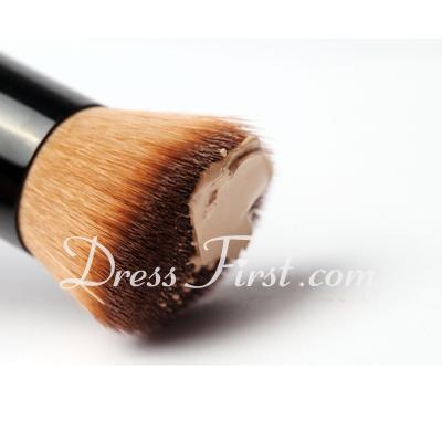 Top Oblique Head Foundation Brush (5 Pcs) (046026327)