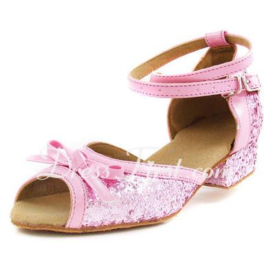Dla kobiet Dla dzieci Skóra ekologiczna Sparkling Glitter Obcasy Sandały Latynoska Z Bowknot Pasek na Kostce Buty do Tańca (053013003)
