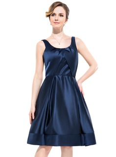A-Line/Princess Scoop Neck Knee-Length Satin Bridesmaid Dress With Ruffle
