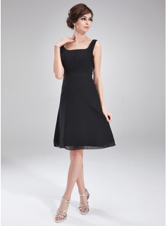 A-Line/Princess Square Neckline Knee-Length Chiffon Cocktail Dress With Ruffle