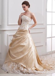 Vestidos princesa/ Formato A Sem Alças Comboios Catedral Tafetá Tule Vestido de noiva com Pregueado Bordado