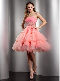 A-Line/Princess Sweetheart Knee-Length Satin Tulle Homecoming Dress With Ruffle Beading Sequins