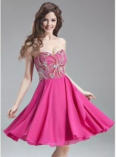 A-Line/Princess Sweetheart Knee-Length Chiffon Homecoming Dress With Beading