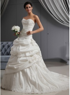 A-Line/Princess Sweetheart Chapel Train Taffeta Wedding Dress With Ruffle Lace Beadwork Flower(s)