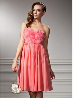 Empire Sweetheart Knee-Length Chiffon Homecoming Dress With Ruffle Beading Flower(s)