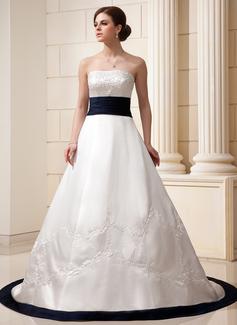 Corte A/Princesa Estrapless Cola capilla Satén Vestido de novia con Bordado Fajas Bordado