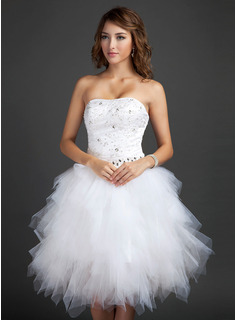 A-Line/Princess Sweetheart Knee-Length Satin Tulle Homecoming Dress With Beading Appliques Lace Sequins Cascading Ruffles