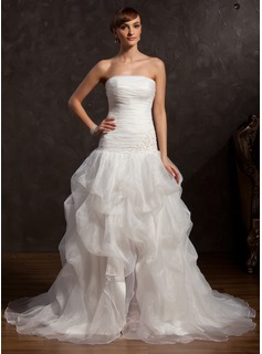 A-Line/Princess Strapless Chapel Train Organza Prom Dress With Ruffle Lace Beading Split Front