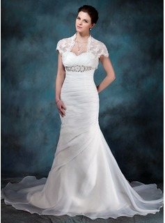 Trumpet/Mermaid Sweetheart Chapel Train Organza Wedding Dress With Ruffle Beading