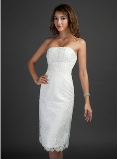 Sheath/Column Strapless Knee-Length Lace Homecoming Dress With Beading