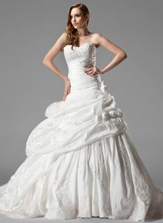 Corte de baile Escote corazón Cola capilla Tafetán Vestido de novia con Volantes Encaje Flores