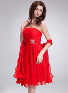 A-Line/Princess Strapless Knee-Length Chiffon Homecoming Dress With Ruffle