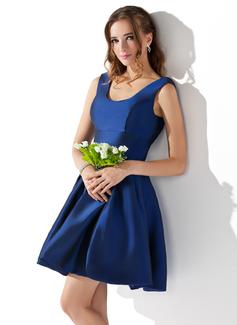 A-Line/Princess Scoop Neck Short/Mini Taffeta Homecoming Dress