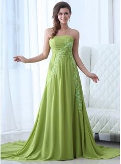 A-Line/Princess Strapless Chapel Train Chiffon Evening Dress With Ruffle Lace