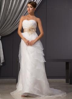 A-linjeformat Hjärtformad Court släp Organzapåse Bröllopsklänning med Rufsar Skärpband Pärlbrodering Blomma (or)