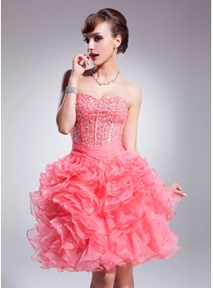 A-Line/Princess Sweetheart Knee-Length Organza Satin Homecoming Dress With Ruffle Beading Sequins