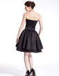 A-Line/Princess Sweetheart Knee-Length Satin Homecoming Dress (022026275)