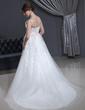 Forme Princesse Col V Traîne moyenne Tulle Robe de mariée avec Plissé Dentelle Emperler (002001341)