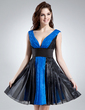 A-Line/Princess V-neck Knee-Length Organza Homecoming Dress With Ruffle (022016003)