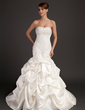 Trumpet/Mermaid Sweetheart Chapel Train Satin Wedding Dress With Beading Appliques Lace (002015486)