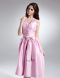 A-Line/Princess Halter Knee-Length Taffeta Homecoming Dress With Ruffle Beading Bow(s) (022015627)