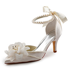 Vrouwen Satijn Stiletto Heel Closed Toe Pumps met Imitatie Parel