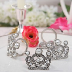 Crown Design Zinc Alloy Napkin Rings With Pearl (Set of 4)