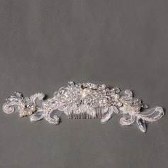 Elegant Rhinestone/Alloy/Lace/Freshwater Pearl Combs & Barrettes